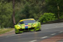 #83 DH Racing Ferrari 488 GTE: Трейсі Крон, Нік Йонссон, Андреа Бертоліні