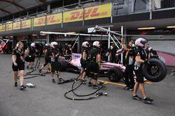 Sahara Force India pit stop practice