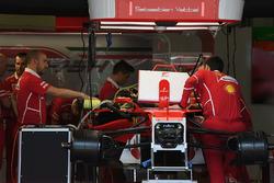 Ferrari SF70H nel garage