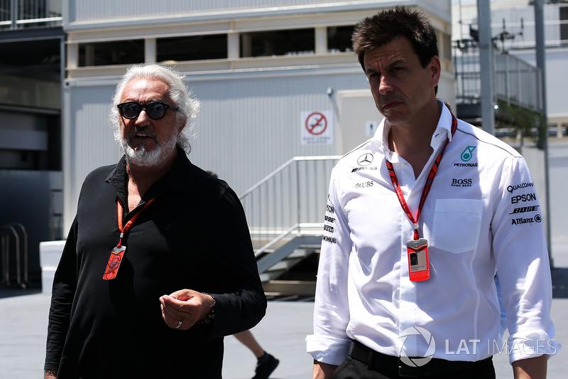 فلافيو برياتوري وتوتو وولف، الرئيس التنفيذي لفريق مرسيدس