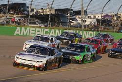 Michael Annett, JR Motorsports Chevrolet y Dakoda Armstrong, JGL Racing Toyota