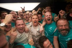 إحتفالات بطل العالم للفورمولا 1 لموسم 2016 نيكو روزبرغ، مرسيدس