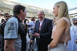 Ehemaliger König von Spanien Juan Carlos mit Carmen Jorda,Renault Sport F1 Team Entwicklungsfahrer u