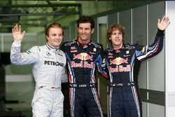 Il poleman Mark Webber, Red Bull Racing, il secondo classificato Nico Rosberg, Mercedes AMG F1, il t