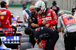 Sebastian Vettel, Ferrari essaie d'observer la Red Bull Racing RB13