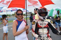 Rajiv Sethu and grid girl