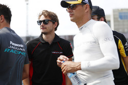 Tom Dillmann, Venturi, and Nelson Piquet Jr., NEXTEV TCR Formula E Team, durante la drivers parade
