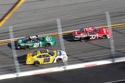 Brandon Jones, Richard Childress Racing Chevrolet; Kasey Kahne, Hendrick Motorsports Chevrolet; Daniel Hemric, Chevrolet