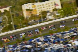 Joey Logano, Team Penske Ford en Chase Elliott, Hendrick Motorsports Chevrolet