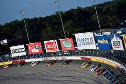 Денни Хэмлин, Joe Gibbs Racing Toyota, Курт Буш, Stewart-Haas Racing Ford