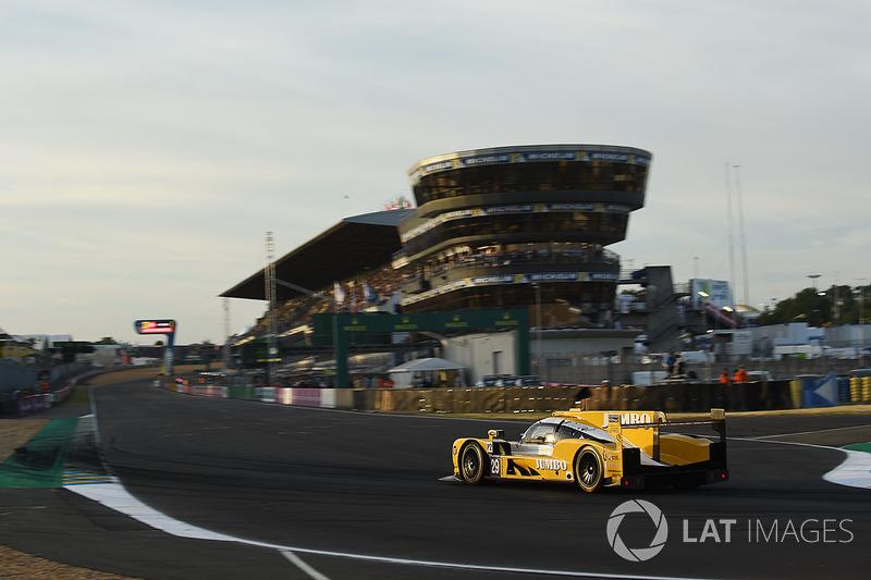 Rubens Barrichello, que estreou na prova com o #29, dividido com Jan Lammers e Frits van Eerd, completou a prova em 11º na LMP2.