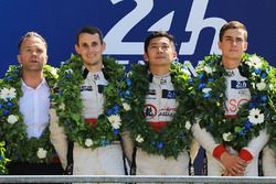 Podium LMP2: 1. Ho-Pin Tung, Oliver Jarvis, Thomas Laurent, DC Racing