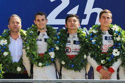 LMP2 podium: ganadores, Ho-Pin Tung, Oliver Jarvis, Thomas Laurent, DC Racing