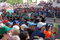 Desfile contou com várias apresentações de música e dança