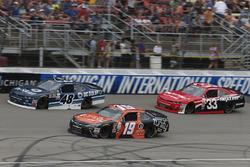 Мэтт Тиффт, Joe Gibbs Racing Toyota и Бреннан Пул, Chip Ganassi Racing Chevrolet