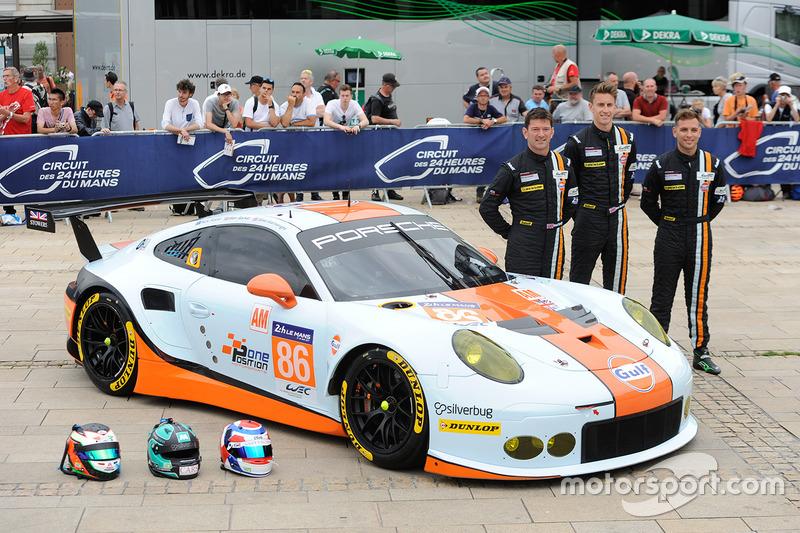 86 Gulf Racing Porsche 911 Rsr Michael Wainwright Ben Barker Nick