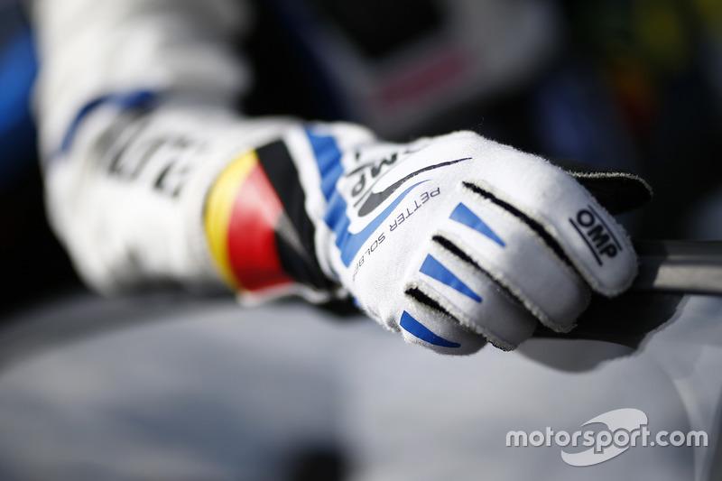 Petter Solberg, PSRX Volkswagen Sweden VW Polo Gti gloves