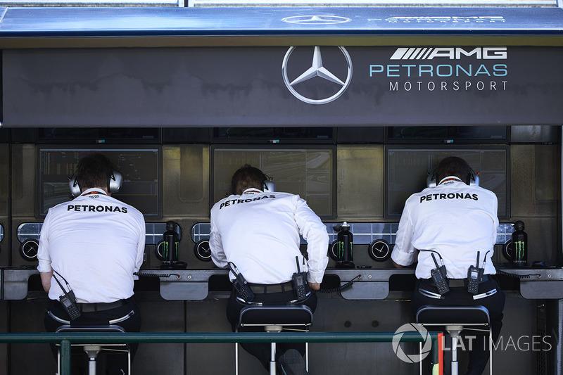 Команда Mercedes на піт-волі