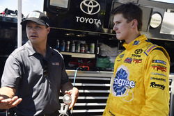Todd Gilliland, Kyle Busch Motorsports Toyota and David Gilliland