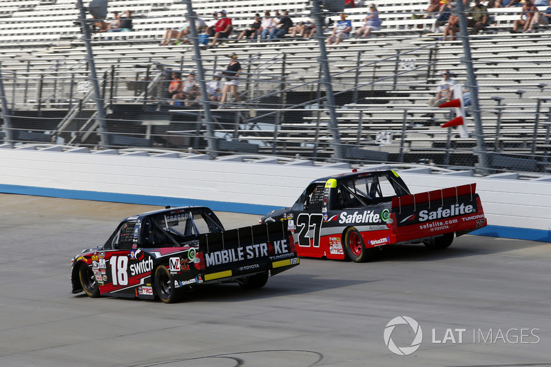 Noah Gragson, Kyle Busch Motorsports, Toyota; Ben Rhodes, ThorSport Racing, Toyota
