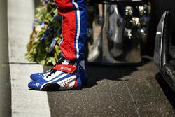 Takuma Sato, Andretti Autosport Honda staat op de finish van de Indy 500-overwinning met de Borg-War
