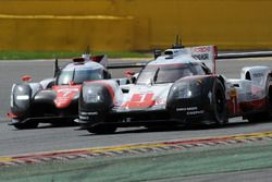 #1 Porsche Team, Porsche 919 Hybrid: Neel Jani, Andre Lotterer, Nick Tandy; #7 Toyota Gazoo Racing,