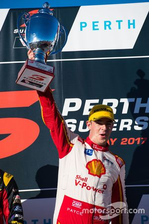 Podyum: Yarış galibi Scott McLaughlin, Team Penske Ford