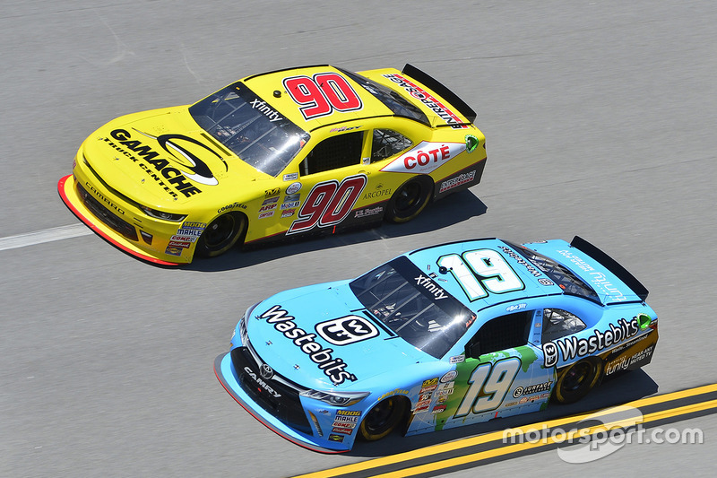 Daniel Suarez, Joe Gibbs Racing Toyota, Martin Roy, Chevrolet