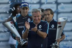Podium: Jean-Paul Driot with Alain Prost and Sebastien Buemi, Renault e.Dams