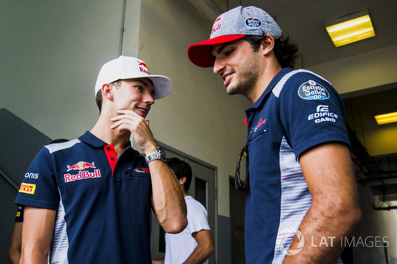 Гонщики Scuderia Toro Rosso Пьер Гасли и Карлос Сайнс-мл.