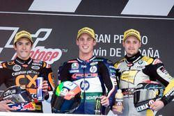 Podium: tweede plaats Marc Marquez, racewinnaar Pol Espargaro, derde plaats Thomas Luthi