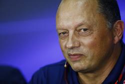 Frederic Vasseur, Sauber  takım patronu, basın toplantısında