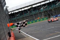 #25 CEFC Manor TRS Racing 07 Gibson: Roberto González, Simon Trummer, Vitaly Petrov