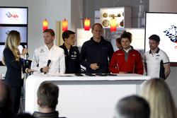 Eve Scheer, Moderatorin; Maro Engel, Black Falcon; Bruno Spengler, BMW Team Schubert Motorspor;, Jörg Bergmeister, Team Falcon Motorsport; Pierre Kaffer, Land Motorsport; Christian Mamerow, Bentley Team Abt