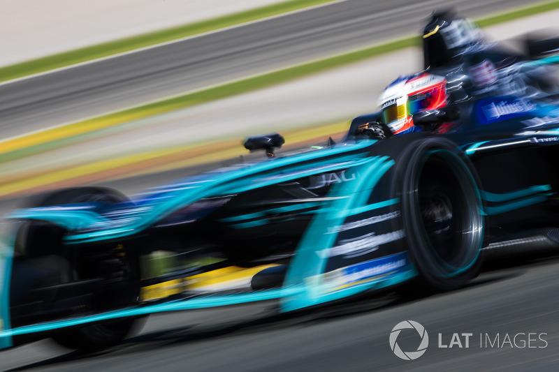 "№20. <img src=""https://cdn-4.motorsport.com/static/img/cfp/0/0/0/100/154/s3/new_zealand-2.jpg"" alt="""" width=""20"" height=""12"" />Митч Эванс, Jaguar Racing"