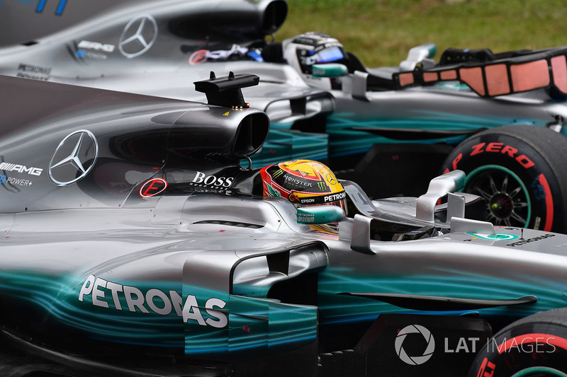 Pole sitter Lewis Hamilton, Mercedes-Benz F1 W08  and Valtteri Bottas, Mercedes-Benz F1 W08  in parc ferme
