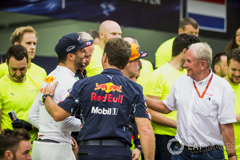 Third place Daniel Ricciardo, Red Bull Racing, Helmut Marko, Consultant, Red Bull Racing, Max Verstappen, Red Bull Racing, race winner, Christian Horner, Team Principal, Red Bull Racing, the Red Bull Racing team celebrate