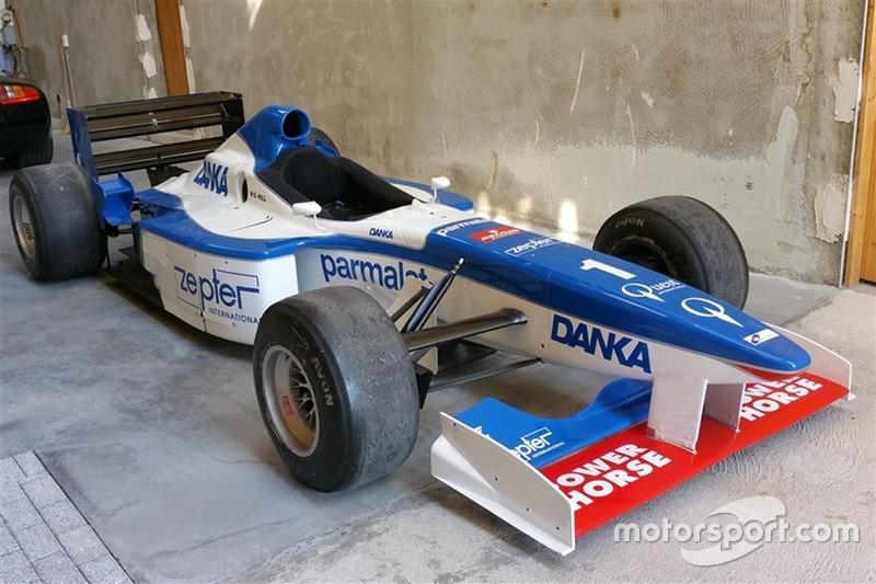 A Arrows A18 que foi de Damon Hill em 1997 está à venda por 280 mil reais