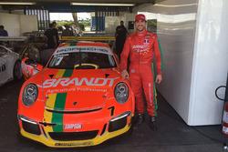 Miguel Paludo e o carro com novo número