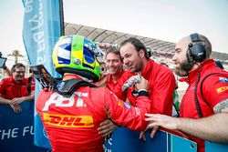 Winner Lucas di Grassi, ABT Schaeffler Audi Sport in parc ferme with his team
