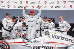 Sieger Juan Pablo Montoya, Team Penske Chevrolet