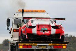 Beschadigde #49 Vicious Rumour Racing Ferrari 458 Italia GT3: Tony Defelice, Andrea Montermini, Benn