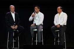 Jérôme Stoll, Président de Renault Sport Racing avec Cyril Abiteboul, Directeur Général de Renault Sport Racing et Frédéric Vasseur, Directeur de la Compétition de Renault Sport F1 Team