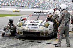 Pitstop for #912 Porsche Team North America Porsche 911 RSR: Michael Christensen, Earl Bamber, Frédé