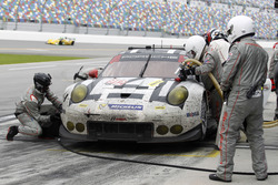 Pitstop for #912 Porsche Team North America Porsche 911 RSR: Michael Christensen, Earl Bamber, Frédé