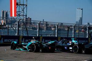 Mitch Evans, Panasonic Jaguar Racing, Jaguar I-Type 3 y Gary Paffett, HWA Racelab, VFE-05