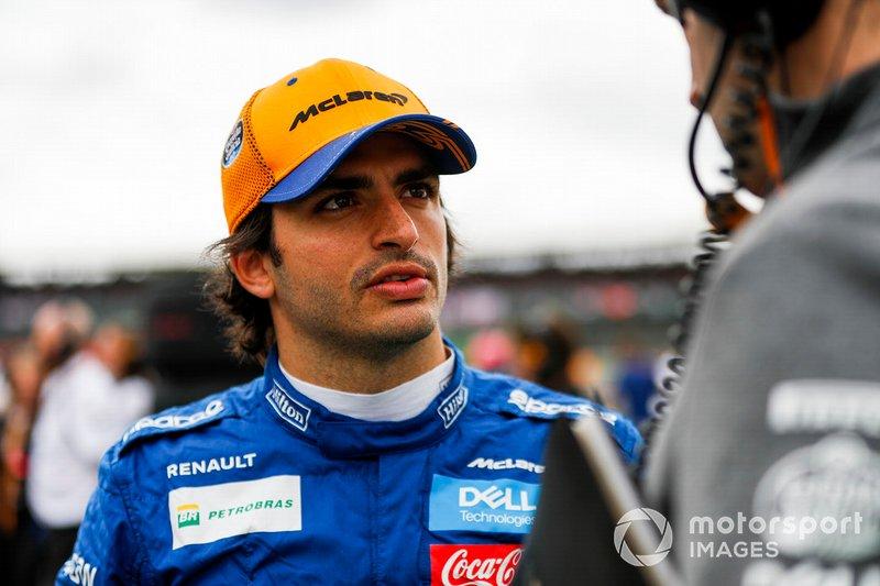 """Carlos Sainz Jr. foi contratado neste ano pela McLaren e seu contrato é de """"múltiplos anos"""". Está confirmado no mínimo até dezembro 2020."""