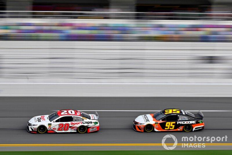Erik Jones, Joe Gibbs Racing, Toyota Camry Sport Clips and Matt DiBenedetto, Leavine Family Racing, Toyota Camry Procore