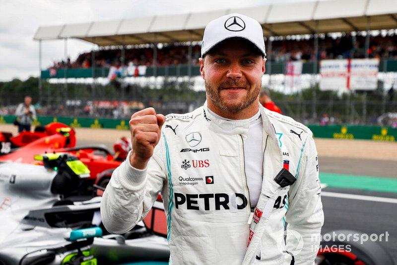 Ganador de la pole Valtteri Bottas, Mercedes AMG F1