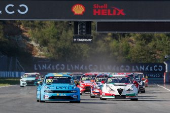 Start action, Yvan Muller, Cyan Racing Lynk & Co 03 TCR leads
